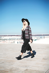 Inês M - Asos Jacket, Little Mistress Jumpsuit, Newlook Boots, Missguided Hat - Aztec Thinking