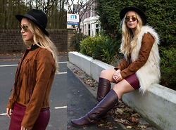 Emma Reay - Cn Direct Suede Tassle Jacket - Casual Autumn Layering