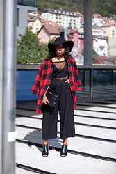 Wallace Yolicia - Hermès HermÈs Vintage Crocodile Kelly 35, Romwe Lapel Plaid Pockets Woolen Coat, H&M Black Wide Culotte, Boohoo Petite Lola Scuba Contrast Mest Panelled Bodysuit, Carmen Sun Diego Black Hat - PLAY WITH PLAID