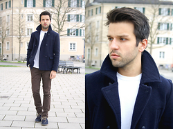Marc Galobardes - Zara Blue Jacket, H&M White Sweater, Zara Brown Trousers - BROWN #ZARAMAN
