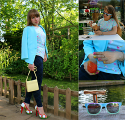 Veronica Kravtsova - Primark Jacket, Primark T Shirt, New Look Leggings, Unknown Brand Sandals, Primark Clutch, Primark Sunnies - STYLISH GARDENER