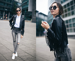 Bea G - Jacket, Shirt, Sneakers, Jeans, Sunglasses - Fringes & Smiths