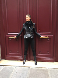 Amina Allam - Balmain Jacket, Chanel Bag, Zara Pants, Christian Dior Boots - Sunday in Paris