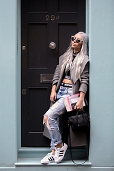 Olga Oliwye Soukupova - Dsquared2 Rhinestones Limited Edition Sunglasses, Shade London Black And White Crop Top, Céline Mini Nano Luggage Black Silver Bag, Adidas Originals Classic Superstar Black And White 3 Straps, New Yorker Distressed Blue Jeans, Handmade Grey Wool Coat Made By Me - LONDON GIRL