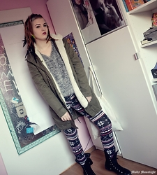 Molly Moonlight - H&M Fake Fur, H&M Parka, Deichmann Trainers, No Name Leggings - De-de-de-december