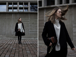 Sara Lehtomaa - Zara Jacket, H&M Sweater, Dr. Martens Boots, Vintage Purse - Days Are Gone