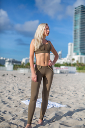 Anastasiya Craze - Out Incorporated Executive Sports Bra, Out Incorporated Leggings - Abs Workout in Miami
