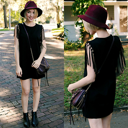Zuzana - Forever 21 Fringe Dress, Romwe Ankle Boots, She+Lo Burgundy Crossbody, Tart Collections Burgundy Hat - Pop Of Plum