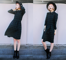 Gigi M. - Wholesale 7 Plaid Dress, Wholesale 7 Chelsea Boots - Wind