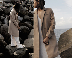 Génesis Serapio - H&M Coat, Zara Trousers, Zara Knit, Birkenstock Sandals - Sea-sonal
