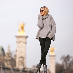 Meryl Denis - Primark Sweat, Abercrombie & Fitch Jeans, Primark Shoes - Oversized