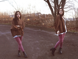 Miriam and Jeanette Roith - Tk.Maxx Blazer, Zara Jeans, Zara Chelsea Boots, Zara Blouse - Burning Sunset