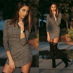 Cansın Ekşi - Yoins Grey Mini Dress, Yoins Crochet Lace Ribbed Leg Hold Ups, Daniel Wellington Watch - Grey Mini Skirt