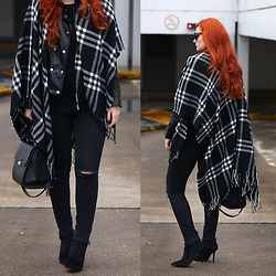 Tia T. - Zara Ripped Jeans, Mango Trapeze Bag, Primark Poncho, H&M Boots - Leather Jacket and Poncho