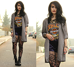 Tessa Diamondly - Wholesale Buying Grey Coat, Harley Davidson Tee, Topshop Velvet Shorts, Lace Tights - Motorcycle club.