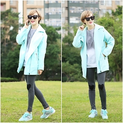 Crystii Lin - Choies Coat - Mint green winter