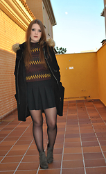 Carmen Méndez - Zara Top, Primark Skirt, Zara Ankle Boots, Zara Coat - The day before Christmas.