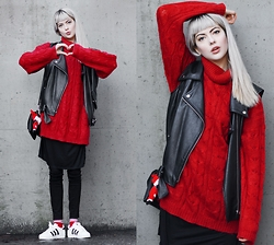 Ebba Zingmark - For Good Luck Black Dress, Adidas Sneakers, Second Hand Sweater, Old Vest, Socks, Monki Jeans, Monki Bag - Wish you all a very Merry Christmas :)