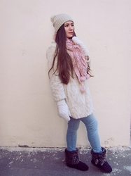 Oxana Udovenko - Wholesalebuying Knit Winter Warm Cap, My Mother's Gloves, Topshop Fur Coat - Gentle Touch