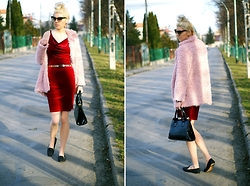 Kamila Krawczyk - Sheinside Fur, Sheinside Dress, Bershka Flats, Lovelywholesale Bag - Red velvet & pink fluffy - Shein.com