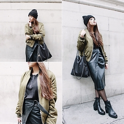 Thao Nhi Le - Topshop Wrapped Skirt, Dune London Boots, Monki Beanie - Olive.