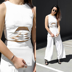 Kristy Wu - Aqaq Musan Crop Top, Finders Keepers The Label Held High Trousers, Rmk Shoes Oregon Heel, The Daily Edited Stone Clutch, Rayban Rb3447 Sunglasses - NYE Outfit Inspo: White on White