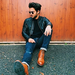 Raphaël Spezzotto-Simacourbe - All Saints Jean, Meermin Shoes - All saint live