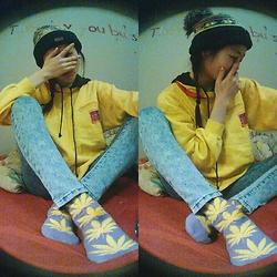 Gege Z - Chaos Beanie, Nordic Sport Hoodie (Thrifted), Forever 21 Jeggings, Huf Socks - Where was u?