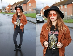 Amy Allatt - Matalan Fedora, Etsy 70s Shades, Vintage Suede Fringe Jacket, Topshop Worn Out Jeans, Asos Studed Star Pointed Shoes, Vintage Iron Maiden Killers Tee, Vergegirl Concho Belt - Mountain Energy