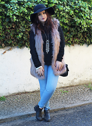 Black Rose - New Dress Faux Fur Vest - Do you Remember?
