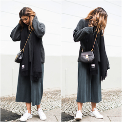 Storm West - Esprit Jumpsuit, Weekday Sweater, Adidas Sneaker - How to wear jumpsuits