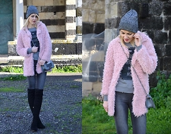 ASIA (IN &OUT BLOG) - Sheinside Coat, Stradivarius Shoes, Vero Moda Jeans - Fa freddo..