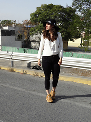 Judith Loyola - American Eagle Outfitters Jeans, Timberland Boots, Forever 21 Fedora - I will go anywhere