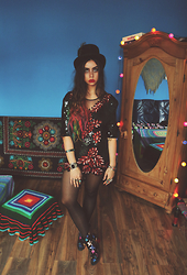 Muzzy Stardust - Vintage Dress, Tommy Hilfiger Star Ankle Boots, Beyond Retro Vintage Top Hat - ★