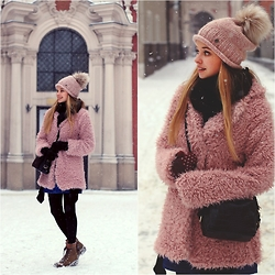 Juliette Jakubowska -  - Outfit for a snowy day