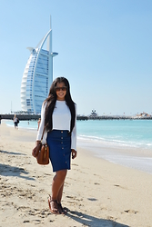 Chiara Culture With Coco - Enza Costa Crop Top, Banana Republic Button Down Denim, Fiorelli Shoulder, Ralph Lauren Anita, Tom Ford Cat Eye Alicia - Jumeirah Beach