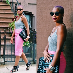 Nia Groce - Vintage Pink Leather Skirt, Knomo London Quilted Clutch, Prabal Gurung For Target Peep Tow Heels - Dat Purp