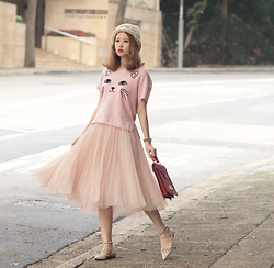 Mayo Wo - 6ixty8ight Kitty Top, Chicwish Tulle Skirt, Chez Vu Pink Bag - Feline forever