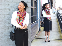 Johnnalynn Lynch -  - Accessorized Office Style