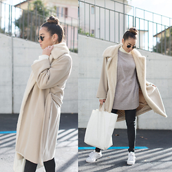 Romina Ch - Max Mara Coat, Zara Knit, Freitag Bag, Adidas Sneakers, Ray Ban Ray Ban Shades - My Winter Gear