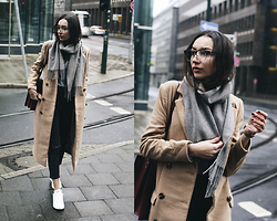 Bea G - Coat, Top, Scarf, Sneakers, Jeans - Walking In The Rain