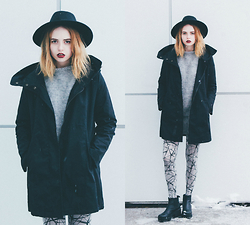 Kristina Magdalina - Boylymia Jacket, Trendylegs Tights - Favorite color of winter.