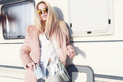 Celine Geraldine - C&A Pink Fake Fur, A&P Holographic Wallet, Tally Weijl Holographic Bag, Pull & Bear Shirt - I DIDNT CHOOSE THE PINK LIFE