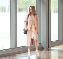 Mayo Wo - Tibi Trench Coat, Frontrowshop Mint Top, Mansur Gavriel Emerald Bag, N12h Layered Lace Skirt, Saint Laurent Boots - Rose quartz with emerald