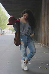 Ana García - Zara Shirt, Pull & Bear Jeans, Primark Shoes, Stradivarius Hat, Zara Bag - Casual