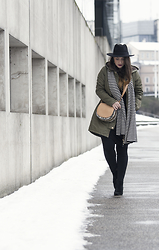 Jules - H&M Fedora Hat, Vsct Clubwear Parka, Peek & Cloppenburg Scarf, H&M Bag, Only Leggings, Mango Shoes - From Deep Winter to Almost Spring