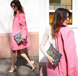 Lea Zeitman - Mawi Clutch, Cosmoparis Heels, Ganni Top, C&A Sunglasses - PINK MARSHMALLOW