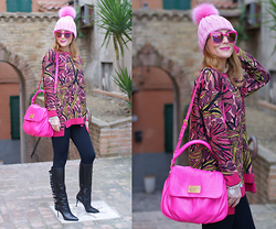 Vale ♥ - Max Mara Sweater, Le Silla Fringed Boots, Marc By Jacobs Bag - Pink love