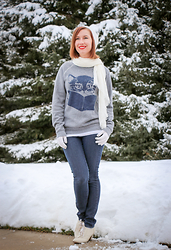 Lindsey Puls - Modcloth Kitty Sweatshirt, Machi Footwear Shoes - Snow Day Outfit