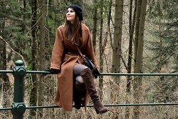 Simona C - H&M Long Coat, Stradivarius Suede Boots - WINTER MOOD